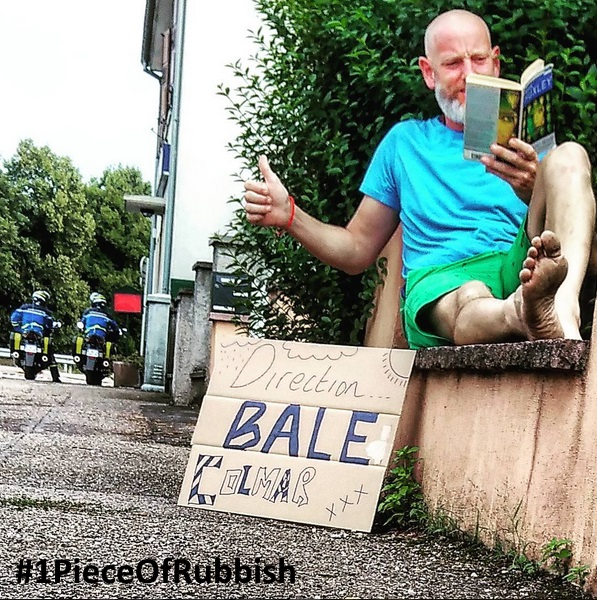 The intellectual hitchhiker on his mission for #1pieceofrubbish #1dechetpar jour